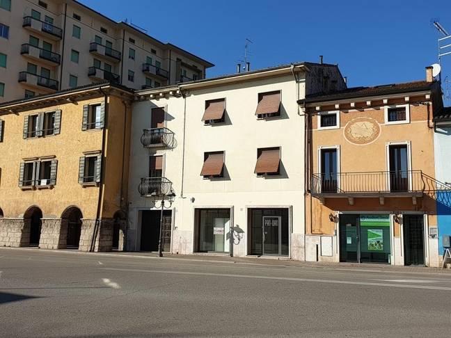 Negozio Commerciali In affitto San Martino Buon Albergo